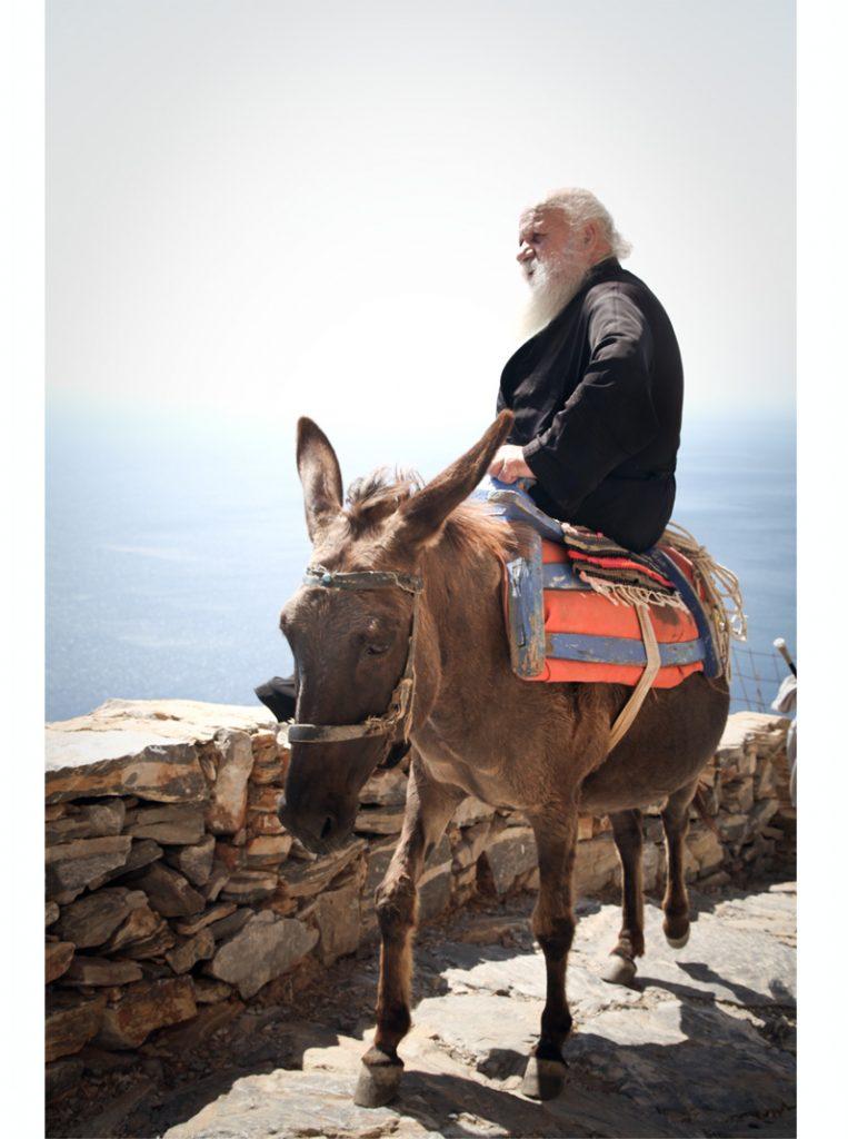 pope sur un mulet